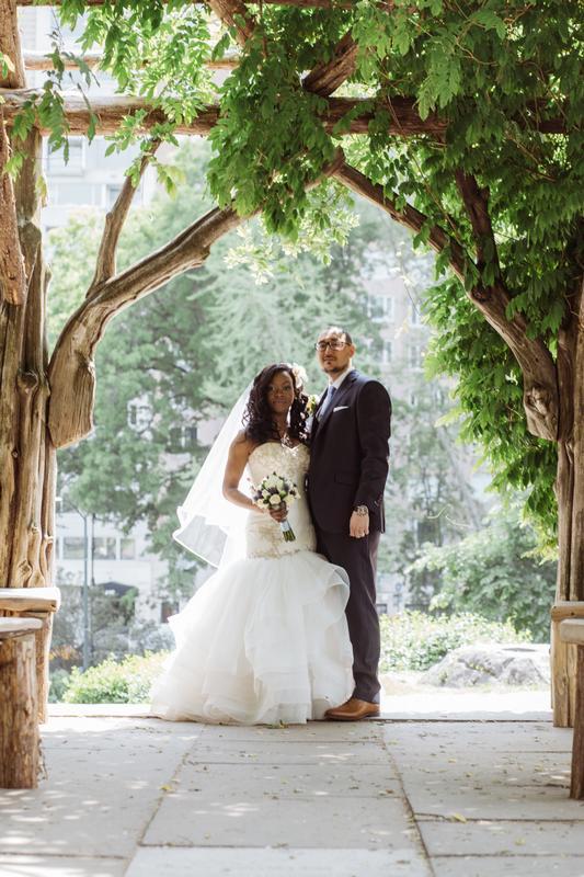 Moeisha and Jason bride and groom