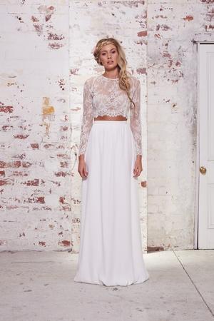 Sheath wedding dress kleinfeld bridal sheath wedding dress by karen willis holmes image 1 junglespirit Choice Image
