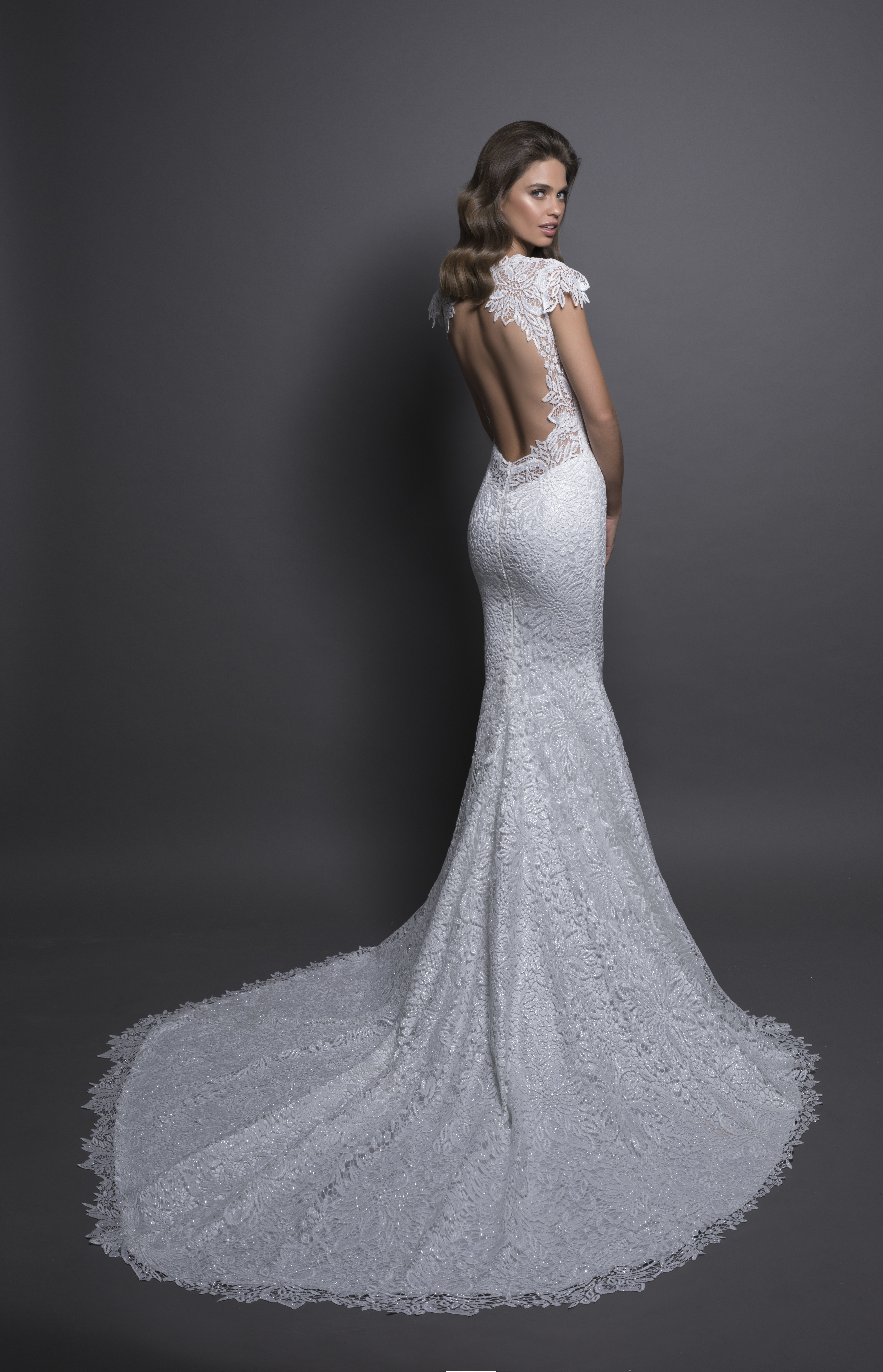 Modern sheath wedding dress kleinfeld bridal junglespirit Images