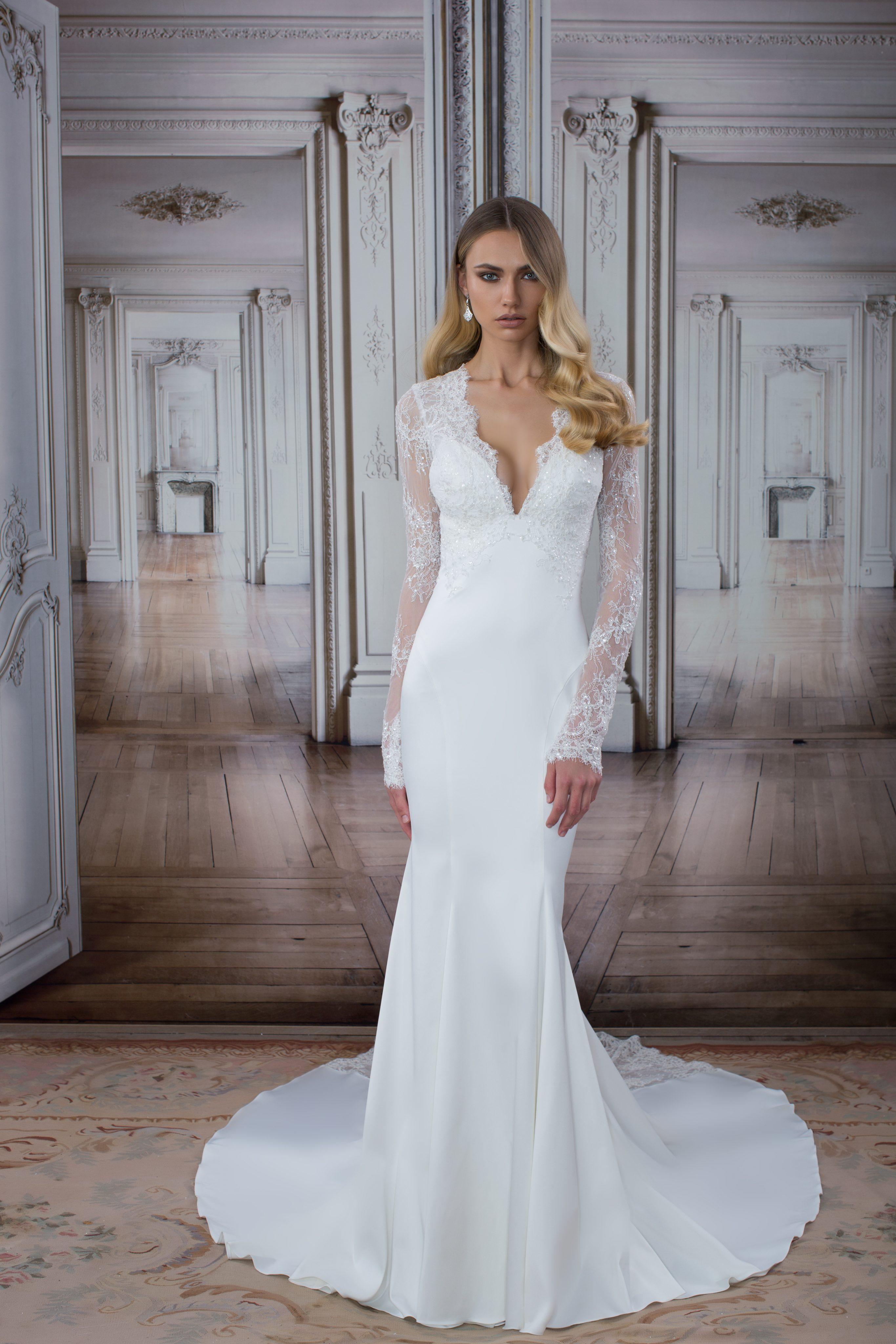 Simple sheath wedding dress kleinfeld bridal for Kleinfeld wedding dresses with sleeves