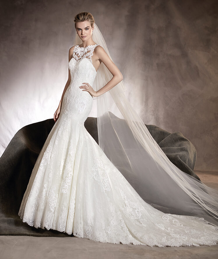 ... Mermaid Wedding Dress By Pronovias   Image 1 Zoomed In