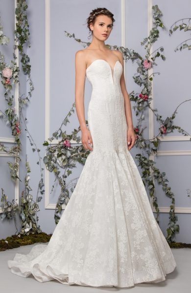 Romantic Mermaid Wedding Dress by Tony Ward - Image 1