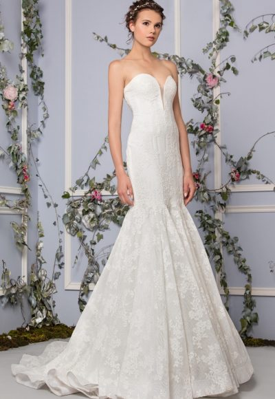 Romantic Mermaid Wedding Dress by Tony Ward