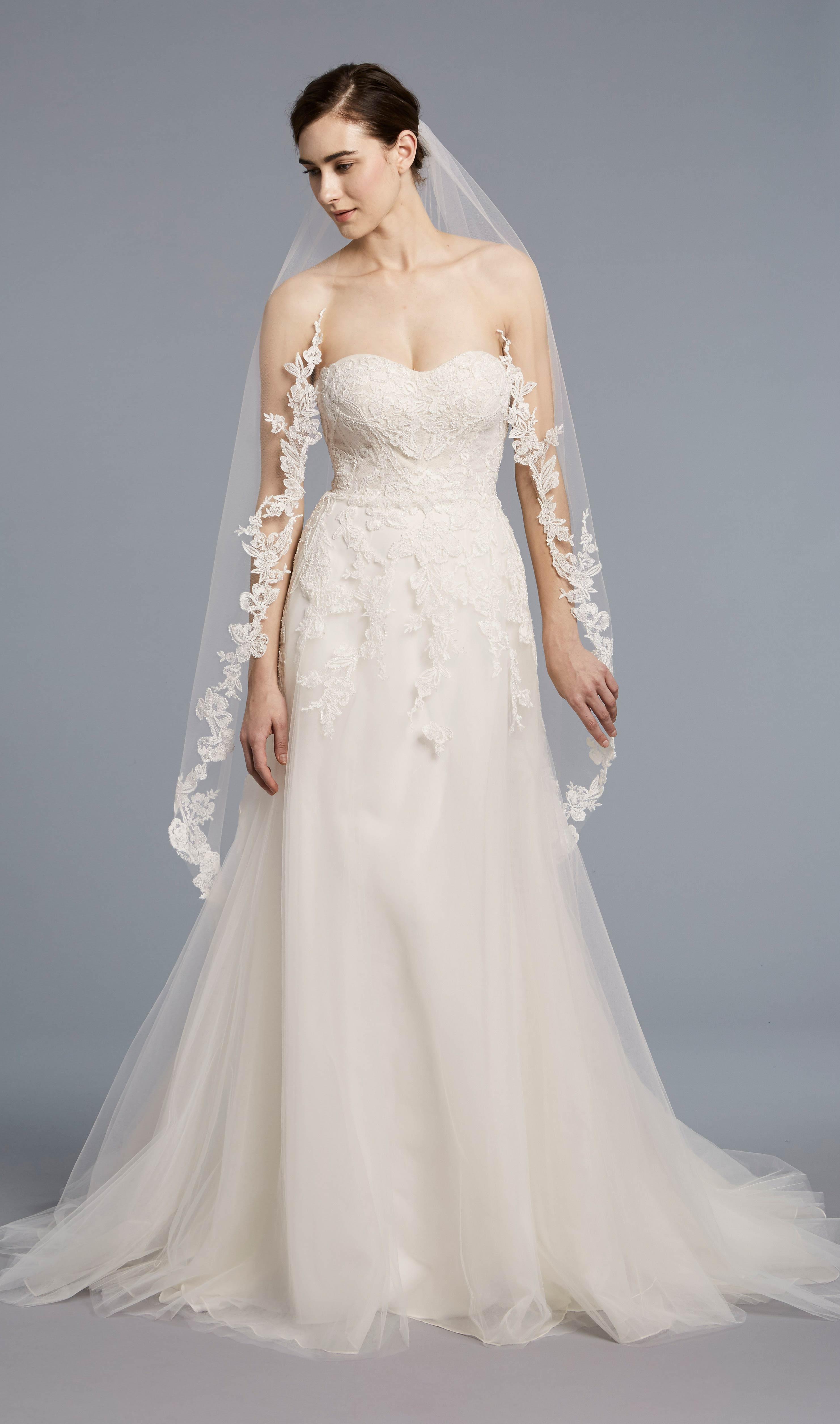 Romantic Sweetheart Simple | Kleinfeld Bridal