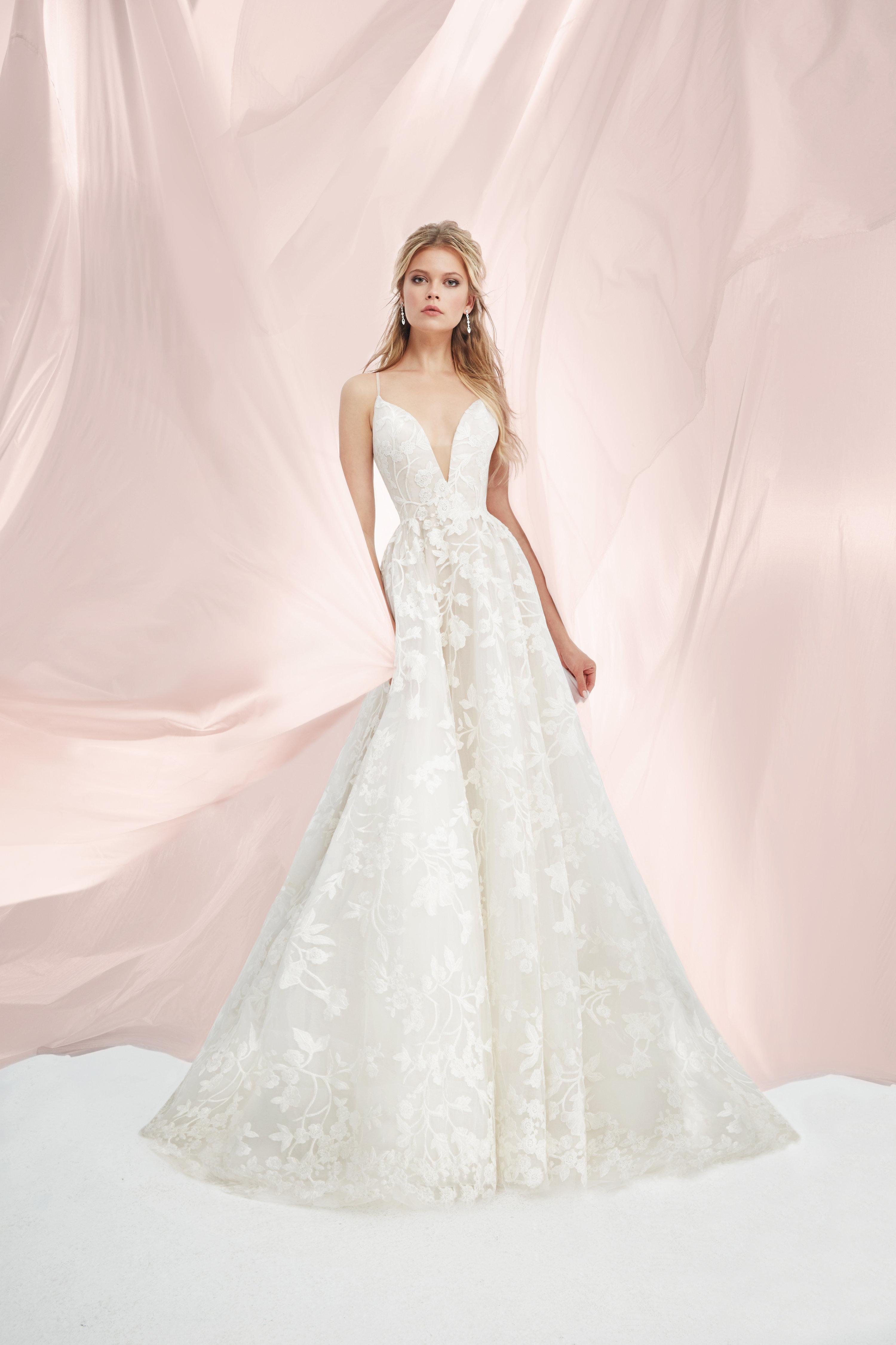 Modern Fit And Flare Wedding Dress | Kleinfeld Bridal