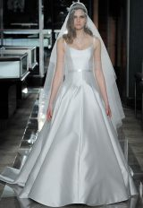 Classic Scoop Simple by Reem Acra - Image 1