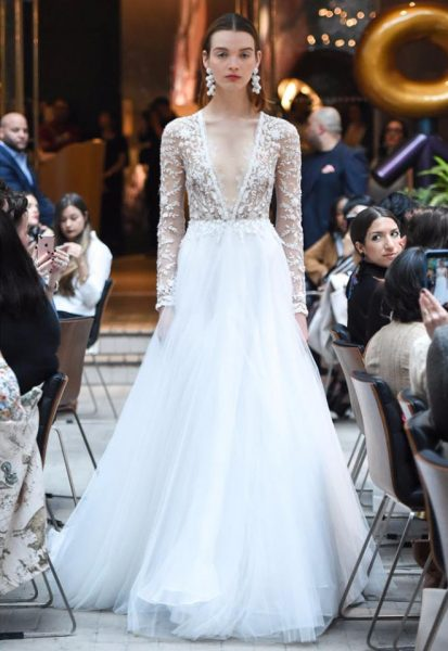 Modern V Neck Romantic Kleinfeld Bridal