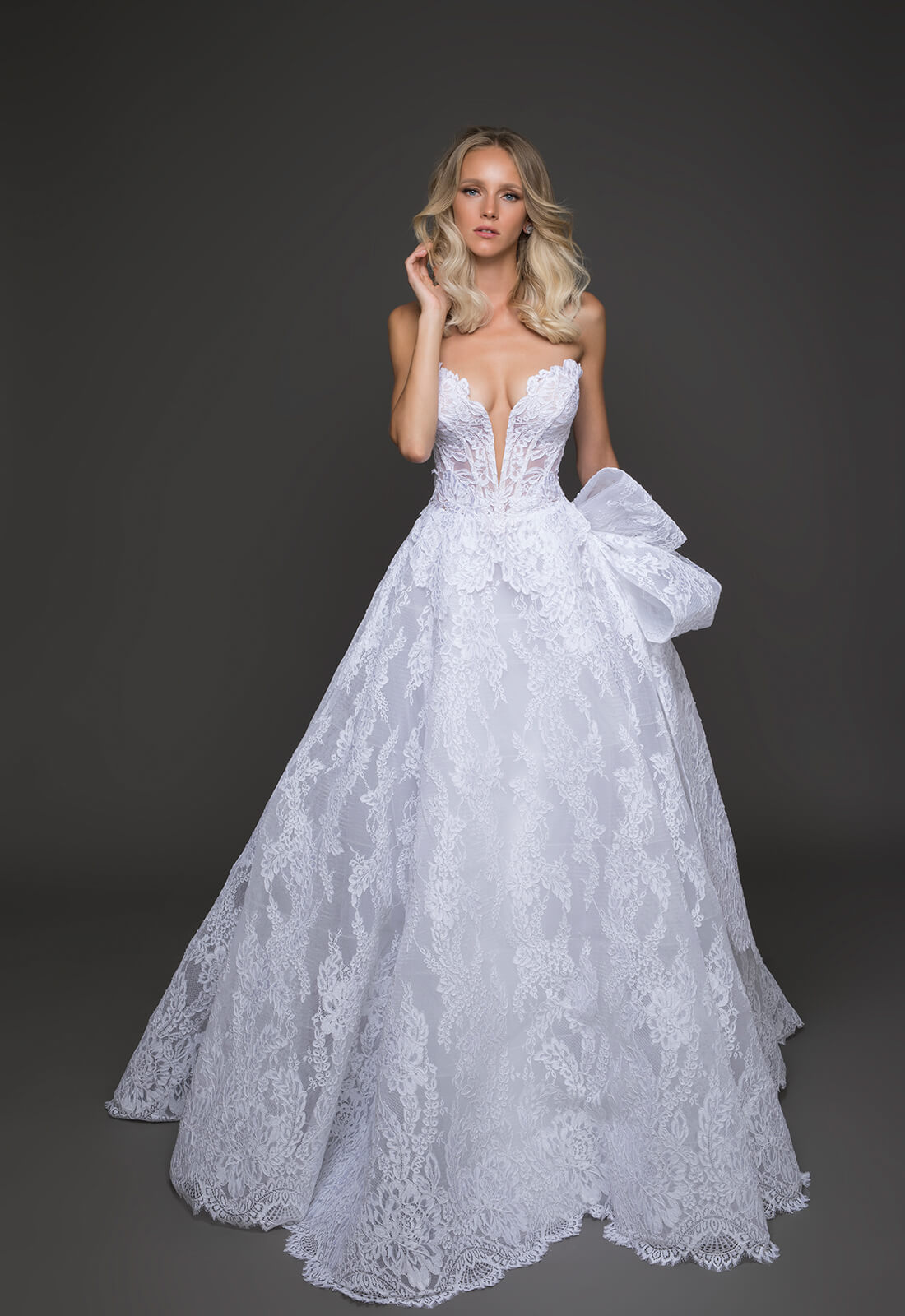 Romantic ball gown wedding dress kleinfeld bridal romantic ball gown wedding dress by pnina tornai image 1 zoomed in junglespirit Choice Image