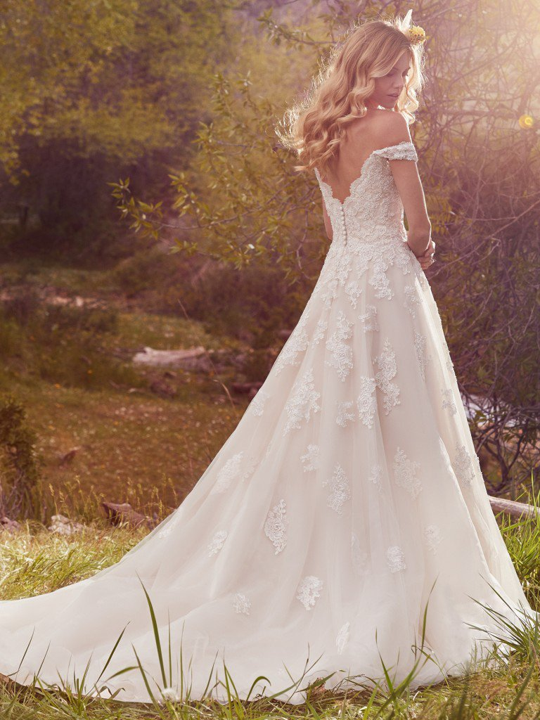 Off-the-Shoulder Sweetheart Neck Lace Detailed Ball Gown Wedding ...