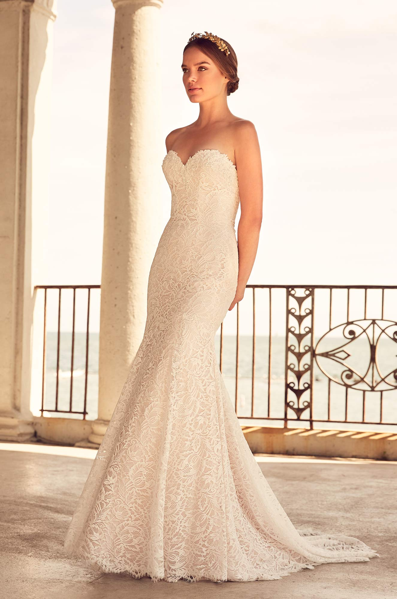 Sweetheart Neckline Beaded Lace Fit And Flare Wedding Dress