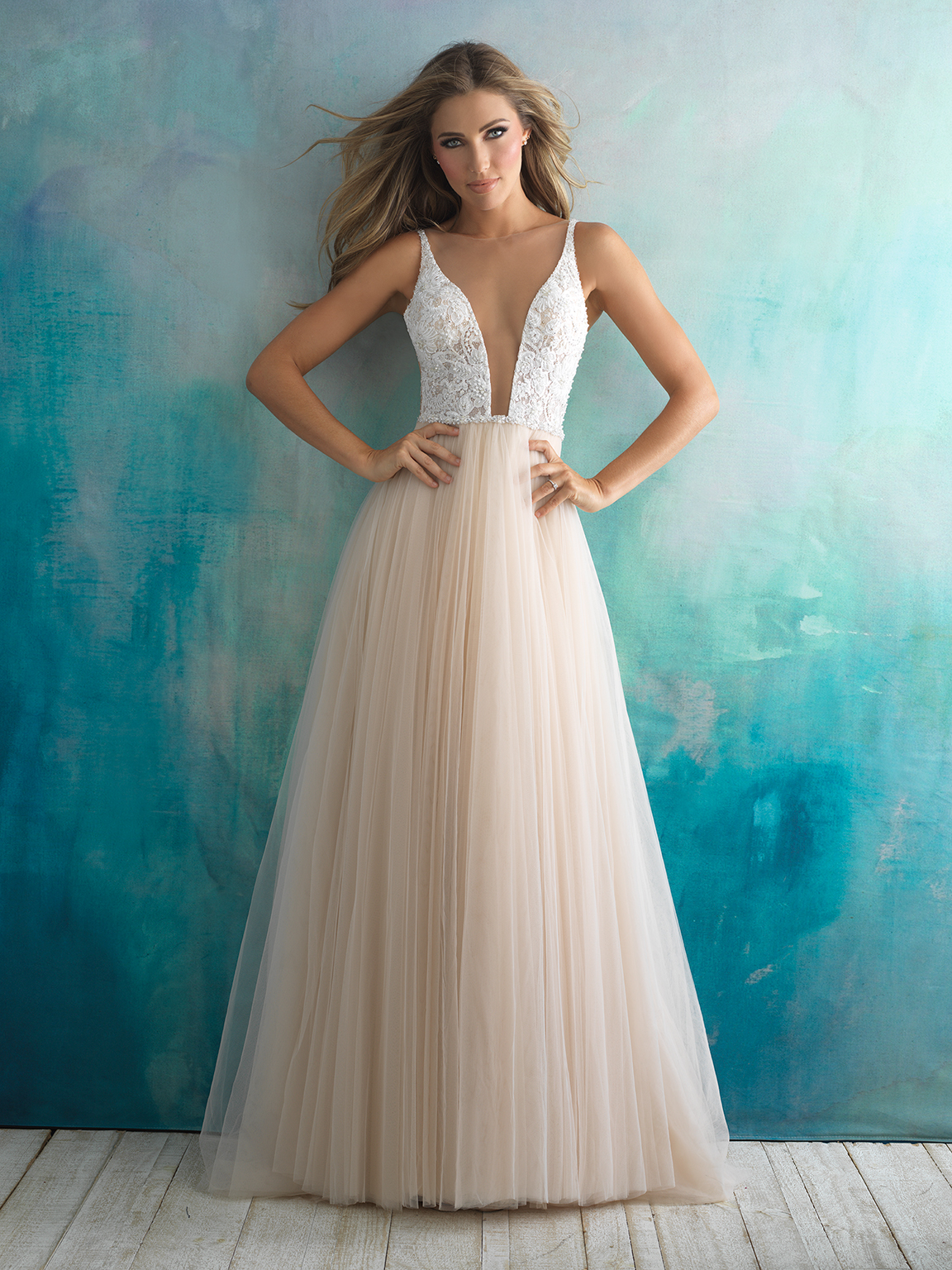 Plunging V-neck Lace And Tulle Ballgown Wedding Dress | Kleinfeld Bridal