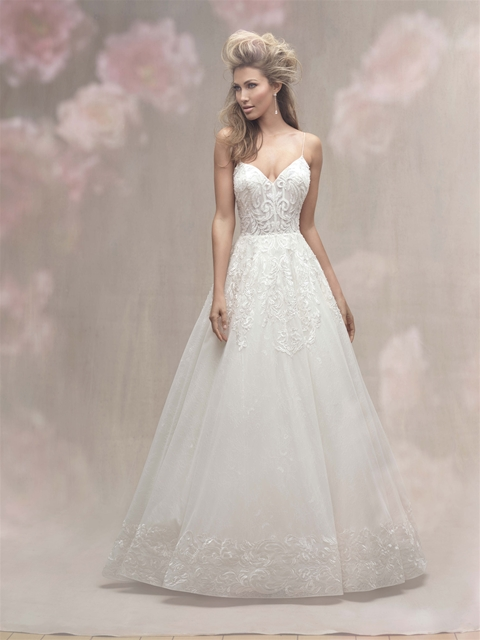 V-neck Spaghetti Strap Lace Detailed Ball Gown Wedding Dress ...