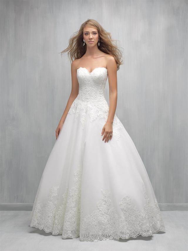 Strapless Sweetheart Lace Bodice Full Skirt Wedding Dress