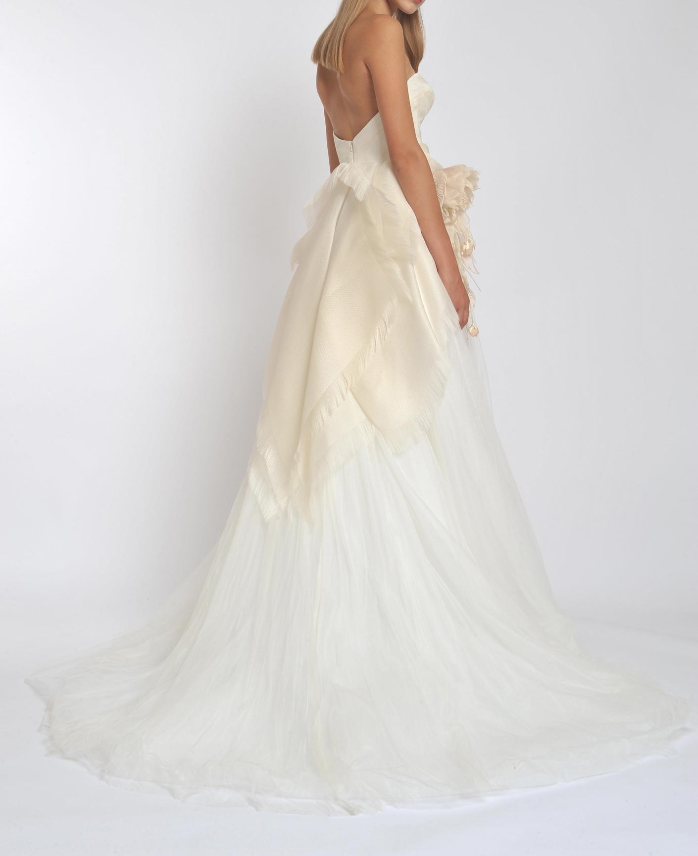 Straight Neck Strapless Tulle Skirt A-line Wedding Dress