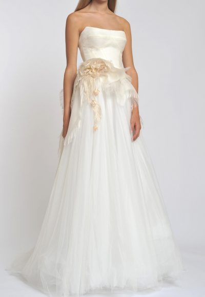 Straight Neck Strapless Tulle Skirt A-line Wedding Dress by Officina di Cucitura