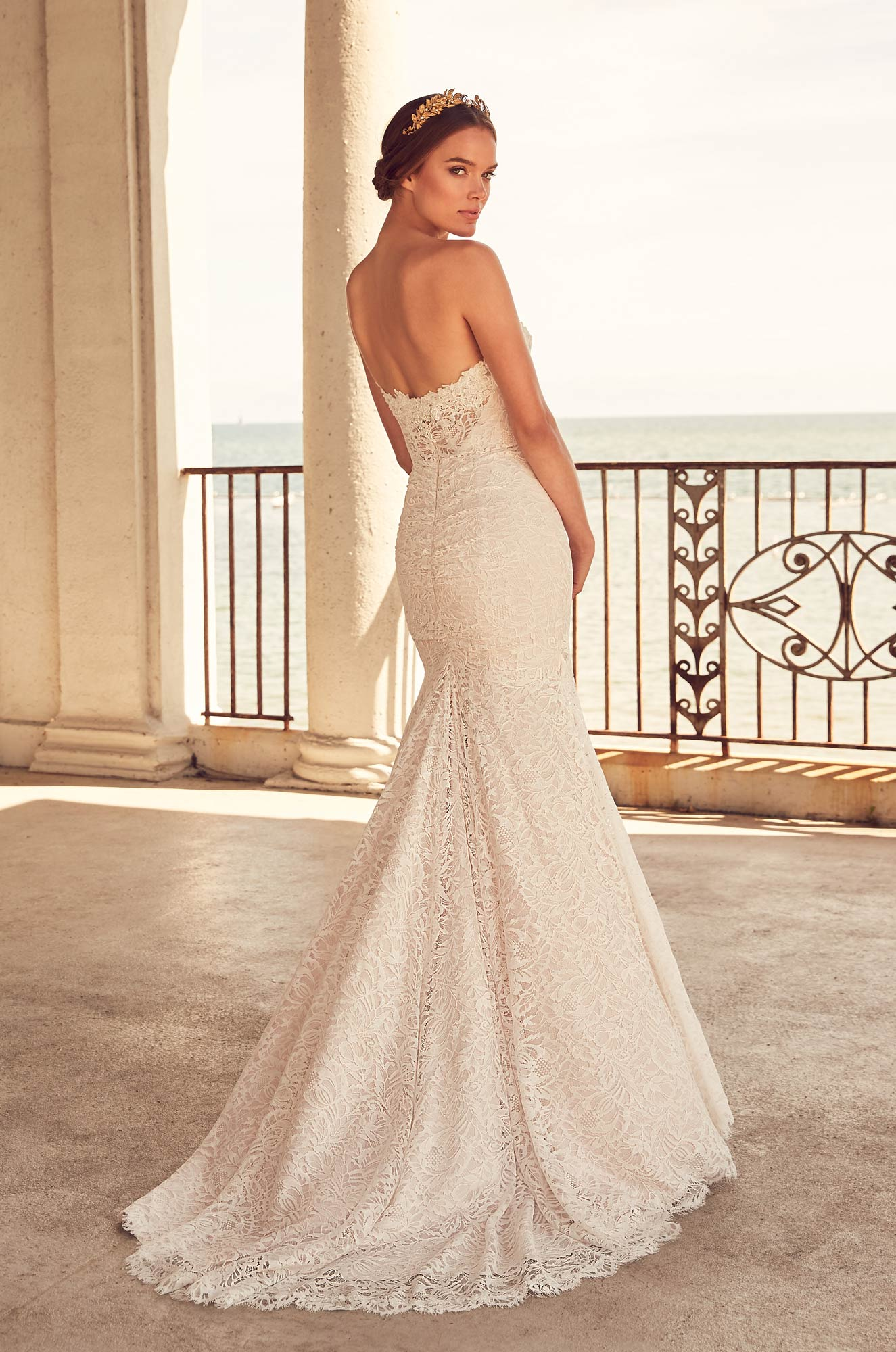 Fit And Flare Lace Gown With Sweetheart Neckline | Kleinfeld Bridal