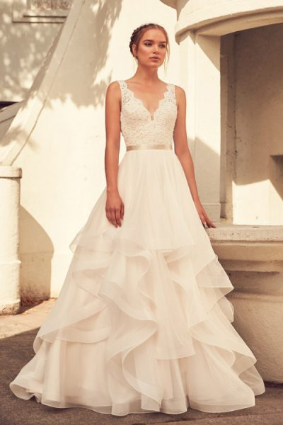 Scalloped v neck lace and tulle ball gown wedding dress kleinfeld scalloped v neck lace and tulle ball gown wedding dress by paloma blanca image junglespirit Images
