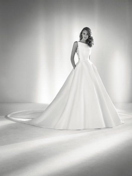 Bateau Neckline Ball Gown Wedding Dress | Kleinfeld Bridal