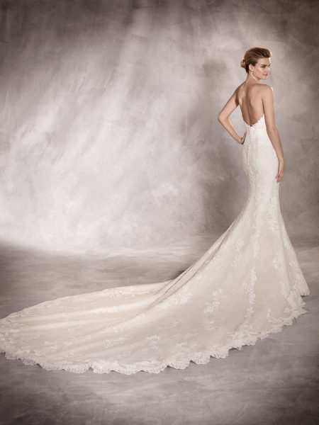Strapless Sweetheart Lace Mermaid Wedding Dress by Pronovias - Image 2