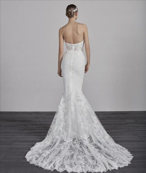 Strapless Sweetheart Neck Lace Mermaid Wedding Dress by Pronovias - Image 2