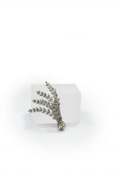 Antique Leaf Motif Hair Clip by Maria Elena - Image 1
