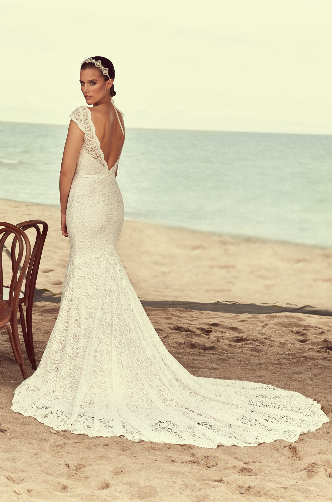 Scalloped V-neck Cap Sleeve Lace Wedding Dress | Kleinfeld Bridal