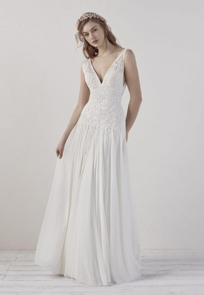 Sleevelsss V-neck Detailed A-line Wedding Dress by Pronovias