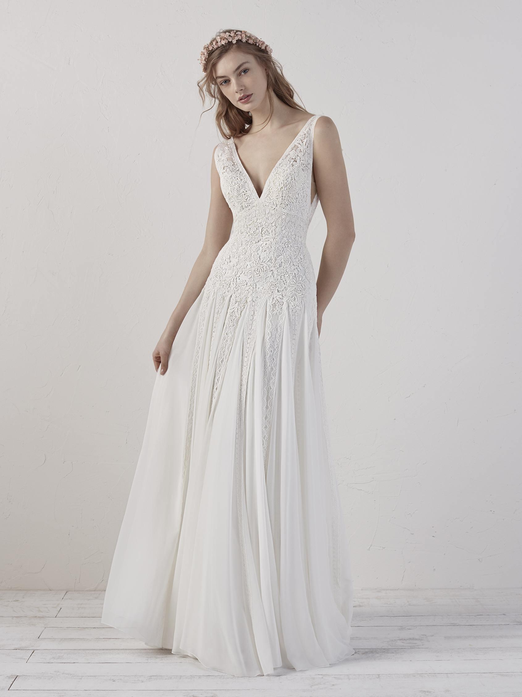Sleevelsss V-neck Detailed A-line Wedding Dress | Kleinfeld Bridal