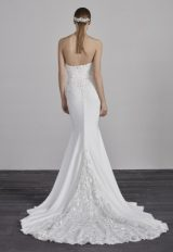 Sweetheart Lace Embellished Neck Fitted Mermaid Wedding Dress by Pronovias - Image 2