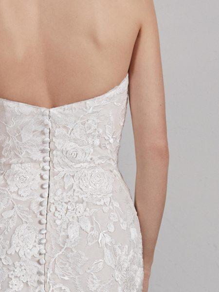 Sweetheart Neck Lace Applique Mermaid Wedding Dress by Pronovias - Image 2