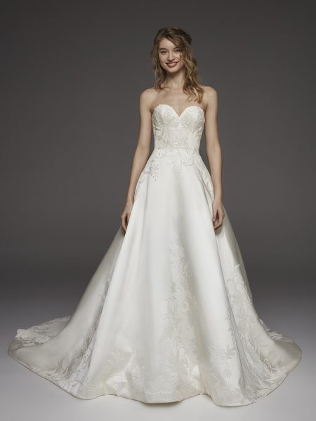 Sweetheart Neckline Silk Ball Gown Wedding Dress by Pronovias - Image 1