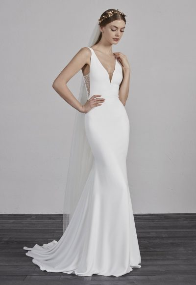V-neck Sleeveless Mermaid Wedding Dress by Pronovias