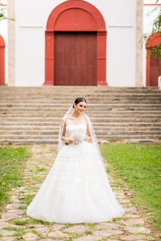 Merida, Mexico Destination Photoshoot with Kleinfeld Bridal and Brian Leahy