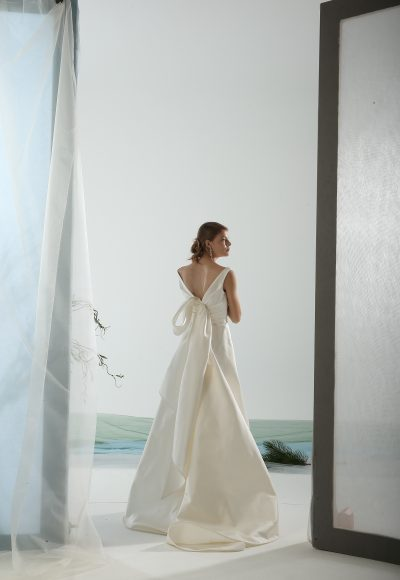 Sleeveless A-line Wedding Dress With Back Detailing by Le Spose Di Gio
