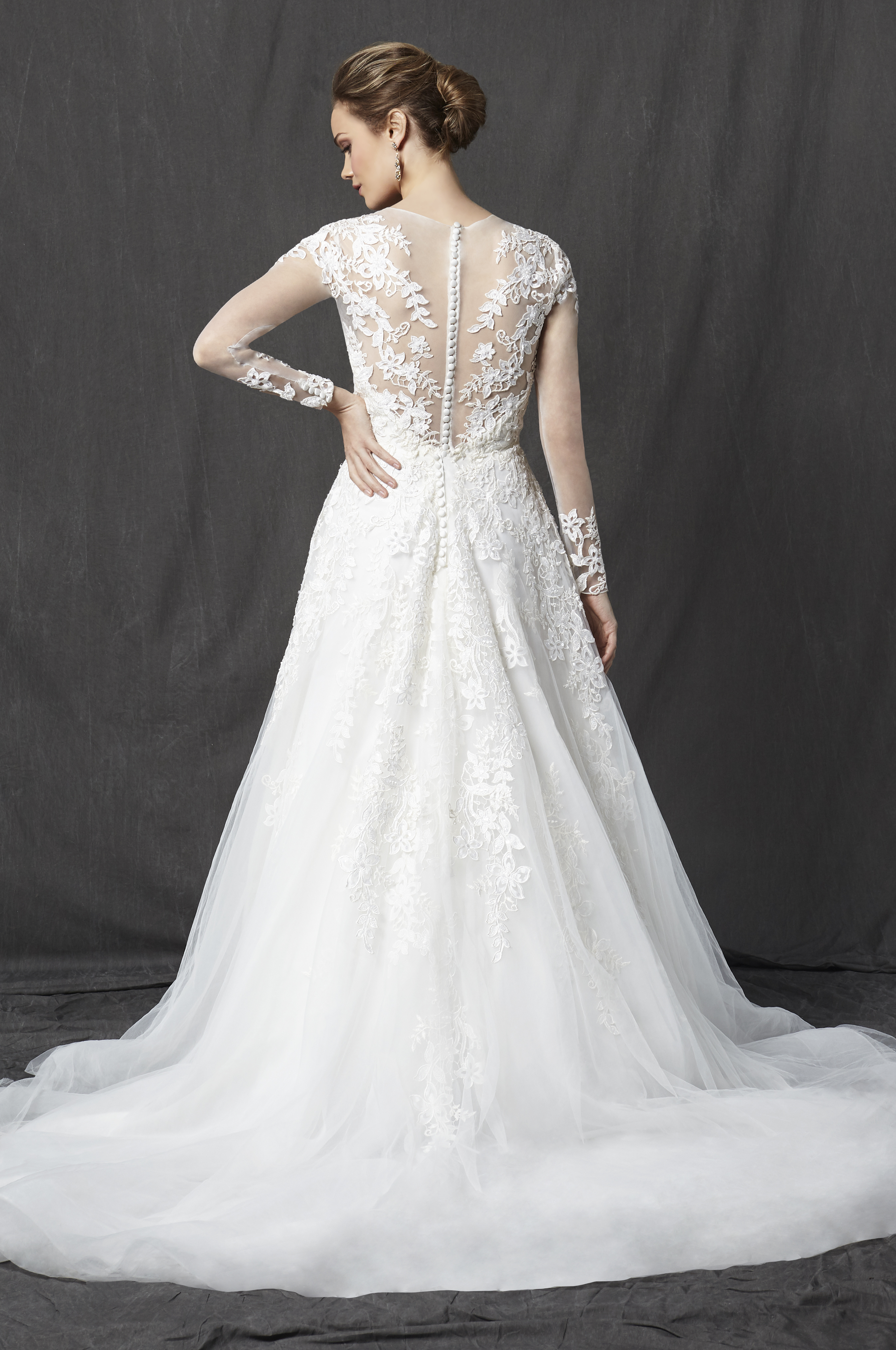 illusion sweetheart neckline long sleeve lace a-line wedding dress | kleinfeld bridal