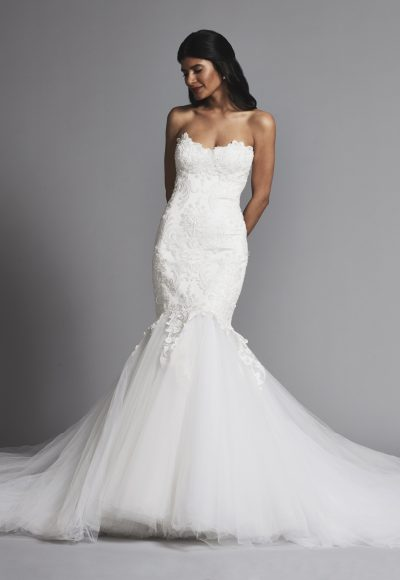 Romantic Lace Mermaid Wedding Dress With Full Tulle Skirt by Pnina Tornai