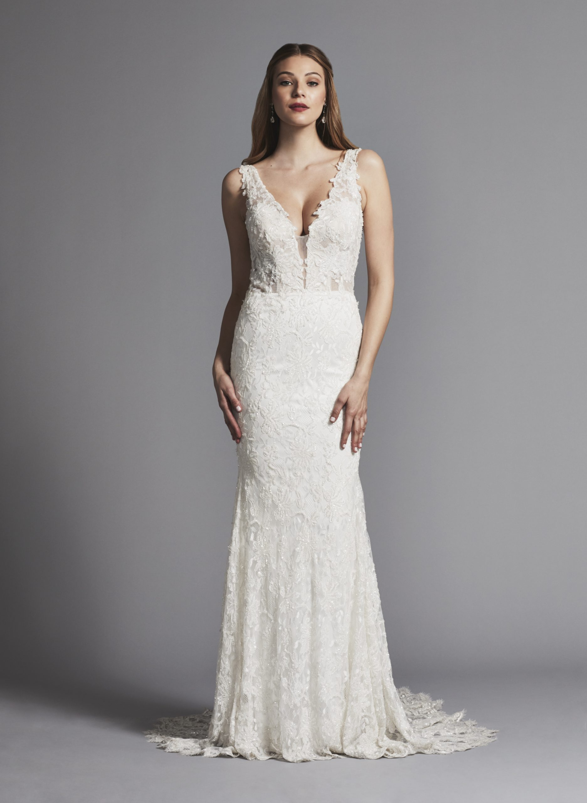 Sleeveless Lace Sheath Wedding Dress