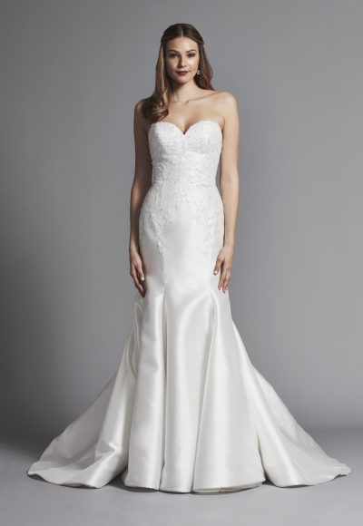 Sweetheart Strapless Fit And Flare Wedding Dress By Pnina Tornai