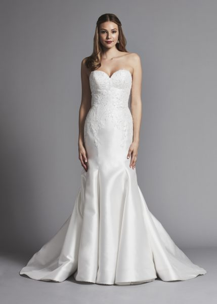 Sweetheart Strapless Fit And Flare Wedding Dress by Pnina Tornai - Image 1