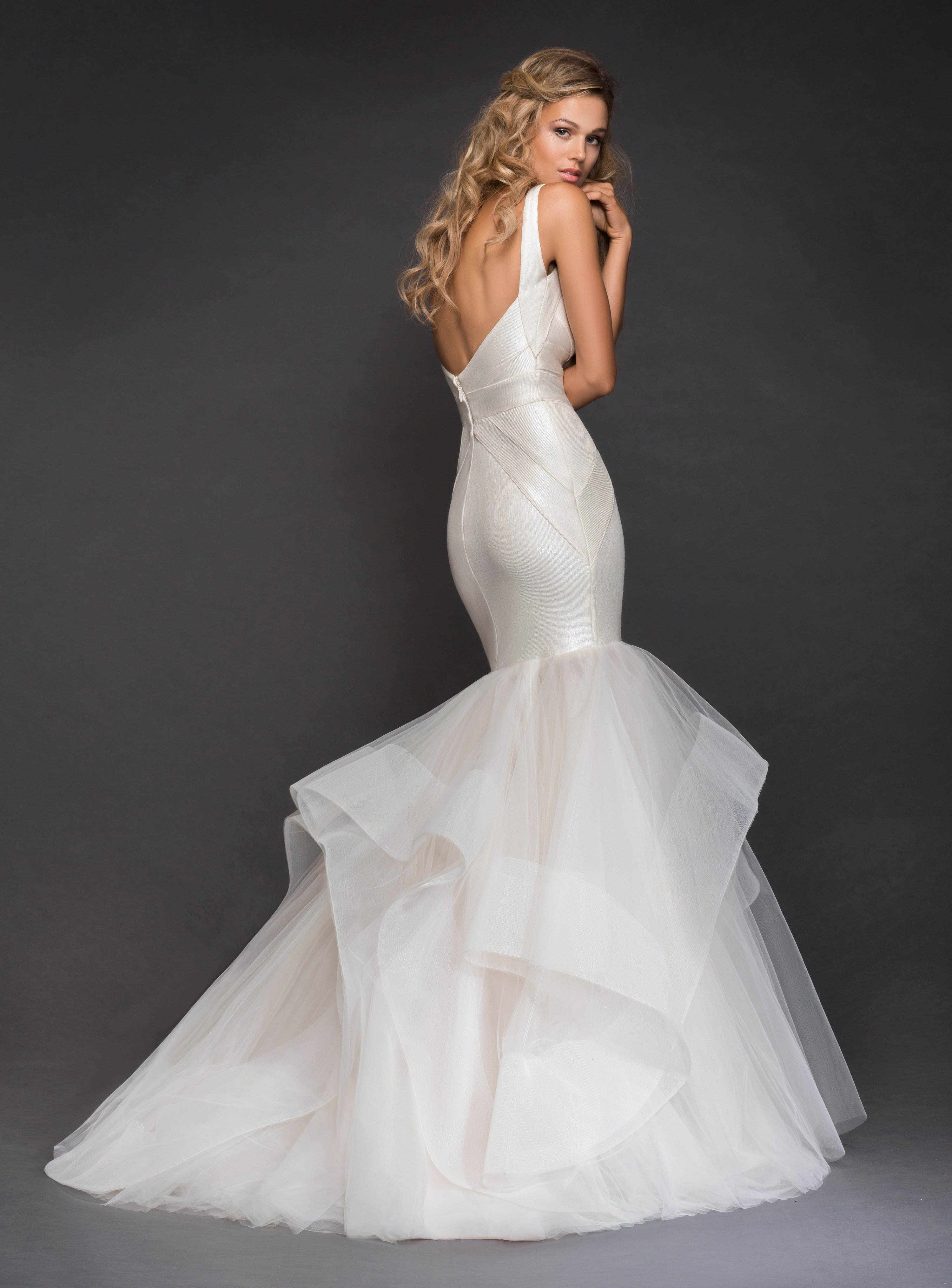 V Neckline Spaghetti Strap Bandage Knit Mermaid Wedding Dress With