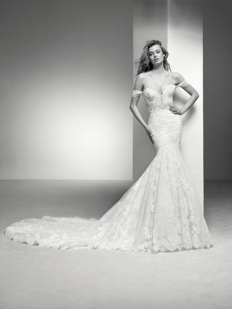 Off The Shoulder Sweetheart Neckline Lace Mermaid Wedding Dress by Pronovias - Image 1