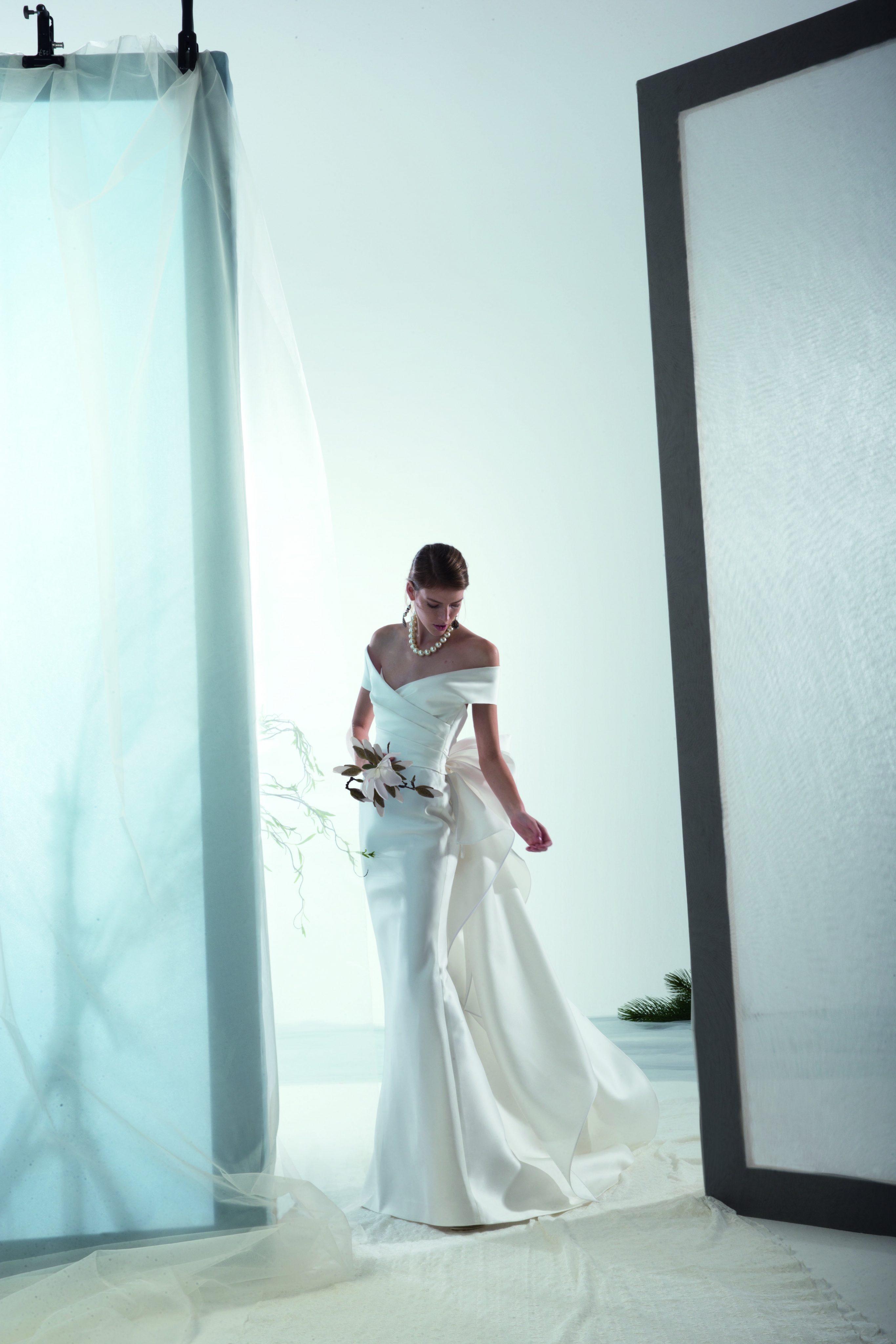 Ruched The Sheath Bodice Bridal Shoulder Wedding DressKleinfeld Off Y2WD9IEH