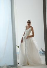 Sleeveless V-neck Back Detailed Ball Gown Wedding Dress by Le Spose Di Gio - Image 1
