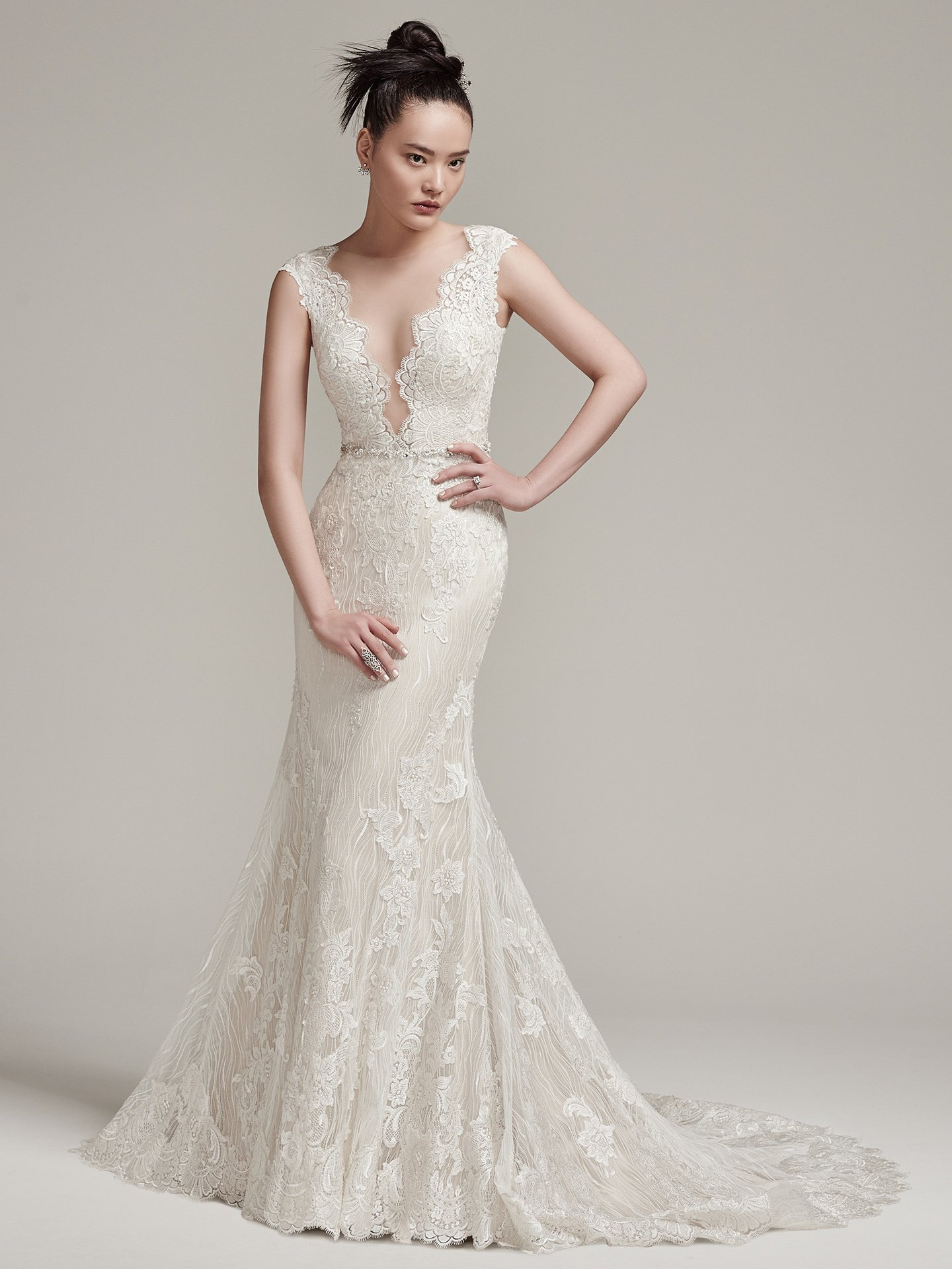 Cap Sleeve Scalloped V Neck Open Back Lace Sheath Wedding Dress