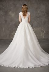 Bateau Neckline Lace Bodice Full Skirt Ball Gown Wedding Dress by Pronovias - Image 2