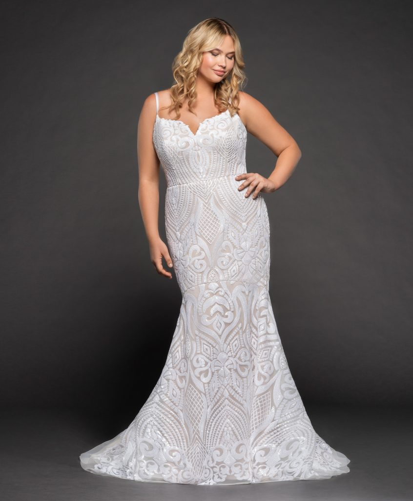 Kleinfeld Bridal carries over 200 plus size wedding dress styles for you to try on—here are our top 8 favorite plus size wedding dresses for the spring and summer 2019 wedding season! Hayley Paige Style: WESTXS