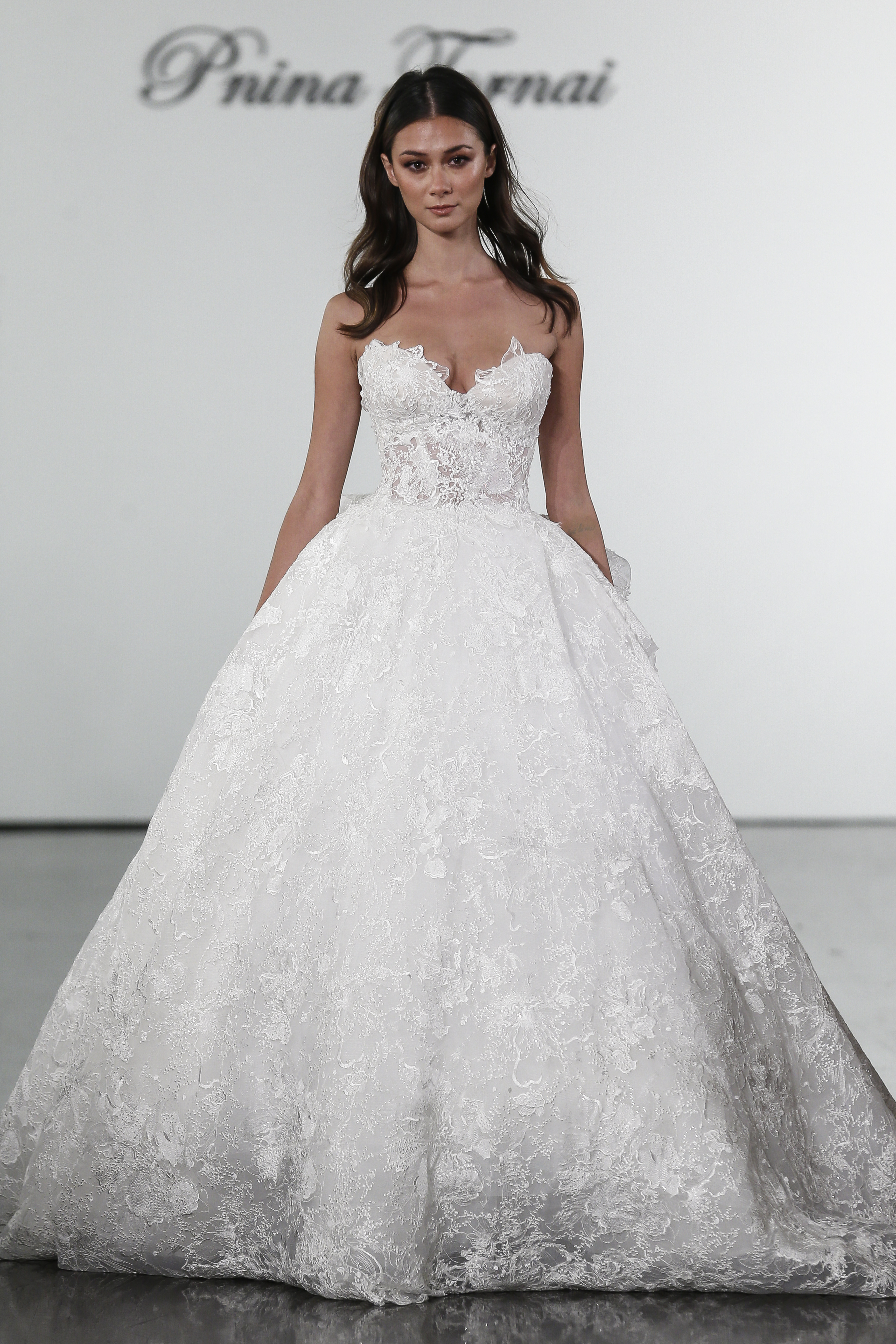 Floral Lace Sweetheart Ball Gown Wedding Dress