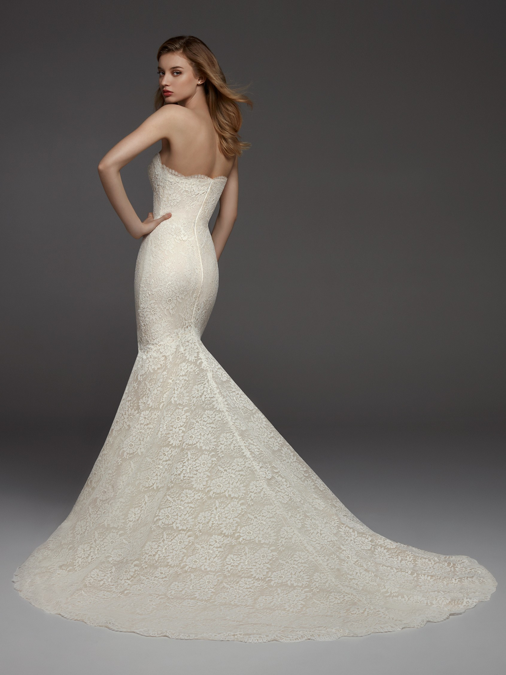 Full Lace Sweetheart Neckline Fit And Flare Strapless