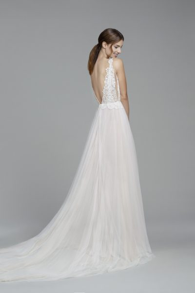 Scalloped Lace V-neck Sleeveless Bodice A-line Wedding Dress by Tara Keely - Image 2