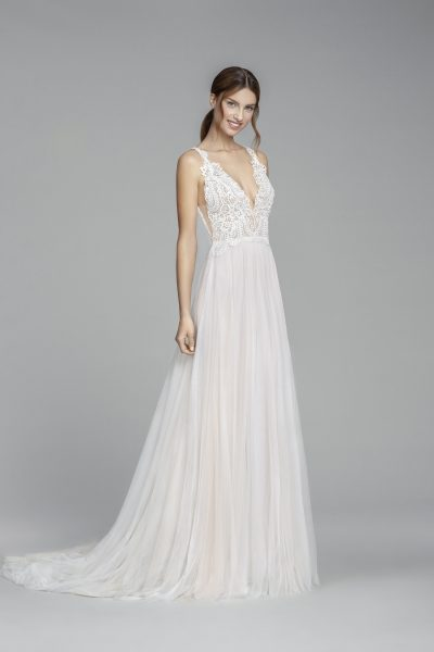 Scalloped Lace V-neck Sleeveless Bodice A-line Wedding Dress by Tara Keely - Image 1